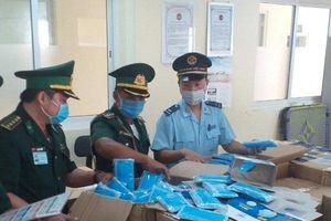 Bắt giữ hơn 160.000 chiếc khẩu trang y tế xuất lậu từ Việt Nam qua Campuchia