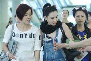 Trương Bá Chi bị đuổi khỏi máy bay vì cãi vã với tiếp viên