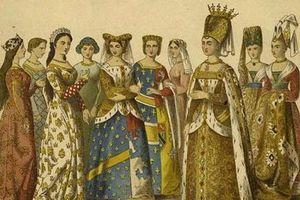 'Bi thương' chuyện bà hoàng xinh đẹp lấy vua điên nước Pháp