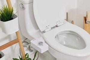Giấy vệ sinh khan hiếm, doanh thu vòi xịt thông minh tăng vọt
