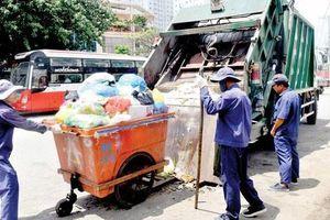 Xử phạt xe chở chất thải rắn không đảm bảo vệ sinh