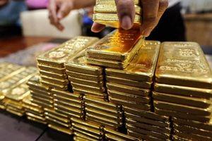 Vàng thế giới giảm giá mạnh nhất từ đầu năm