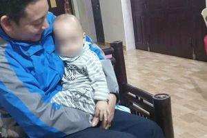 Bé trai 12 tháng tuổi bị bỏ rơi dưới chân tượng Quan Âm