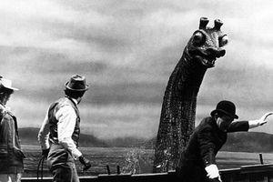 Bí ẩn quái vật hồ Loch Ness từng tấn công tàu Đức?