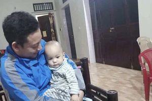 Quét sân chùa, sư thầy phát hiện bé trai 1 tuổi bị bỏ rơi