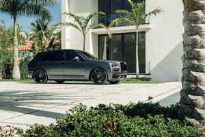 SUV siêu sang Rolls-Royce Cullinan độ màu xám mờ gây tranh cãi