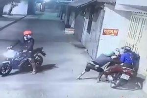 Nữ Grabbike bị khách chích điện, cướp xe lúc rạng sáng