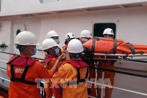 Cấp cứu thuyền viên đau ruột thừa ở vùng biển phía Nam Hoàng Sa