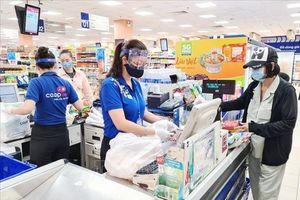 Dịch COVID-19: Đảm bảo tiện ích, an toàn cho người dân mua sắm tại điểm bán lẻ