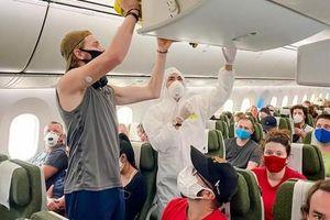 Cận cảnh chuyến bay đặc biệt của Bamboo Airways đưa công dân Séc và châu Âu hồi hương
