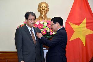 Trao huân chương Hữu nghị tặng đại sứ Nhật Bản tại Việt Nam