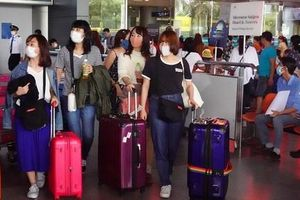 Phạt 10 triệu đồng nữ du học sinh trốn cách ly ra sân bay để sang Anh