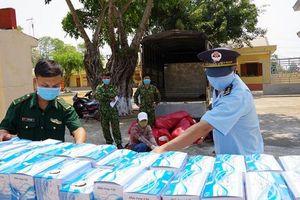 Gia Lai: Thu giữ hơn 21.000 khẩu trang y tế cùng 200 chai gel rửa tay khô không rõ nguồn gốc