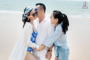 Hoa hậu Oanh Lê mặc bikini gợi cảm trong kỳ nghỉ bên chồng con ở Vũng Tàu