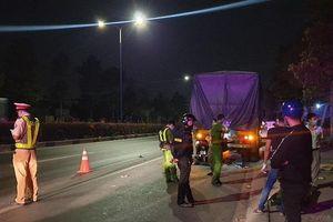 Đâm vào đuôi xe container, 2 thanh niên tử vong