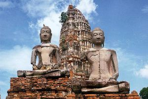 Phật dạy những nghề tạo nghiệp xấu cần tránh