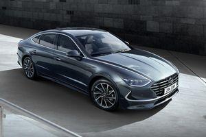 Hyundai Sonata Hybrid 2020 siêu tiết kiệm nhiên liệu, hết xăng vẫn di chuyển được 3,2km