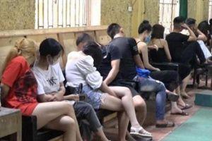Tước giấy phép quán karaoke để 53 thanh niên mở 'tiệc ma túy' giữa mùa dịch