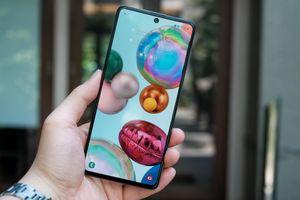 Nhiều smartphone chính hãng giảm giá đầu tháng 4