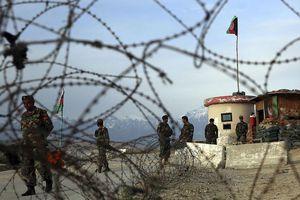 Căn cứ lớn nhất của Mỹ ở Afghanistan hứng 5 quả rocket