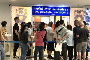 ĐSQ Việt Nam tại Thái Lan hỗ trợ công dân Việt bị ảnh hưởng COVID-19