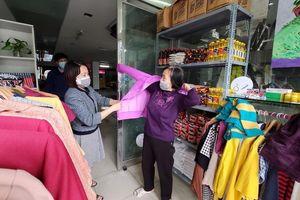 'Siêu thị 0 đồng' đầu tiên ở Hà Nội tặng người nghèo giữa tâm bão COVID-19