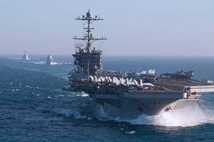 Lo thủy thủ mắc COVID-19, tàu sân bay Mỹ không vào bờ