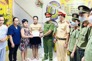Chia sẻ khó khăn với gia đình 2 chiến sĩ CAQ Sơn Trà hy sinh