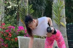 Châu Tuyết Vân, Yến Xuân khoe bụng 6 múi nhờ tập luyện ở nhà
