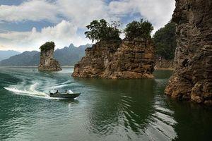 Khám phá vẻ đẹp huyền bí của lòng hồ sinh thái Na Hang - Lâm Bình