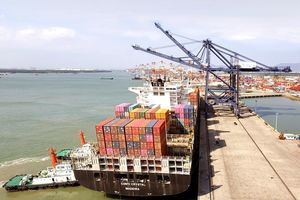 Cảng SSIT đón tàu lớn trực tiếp đi bờ Tây Bắc Mỹ