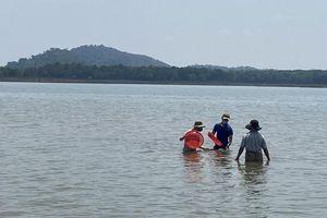 Đắk Lắk: Đi cào hến ở hồ, 2 người thương vong
