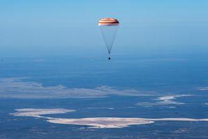 Cú hạ cánh về 'Trái Đất không còn như xưa' của các phi hành gia từ ISS