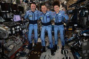 Phi hành gia nói gì khi hạ cánh xuống Trái đất giữa đại dịch COVID-19?