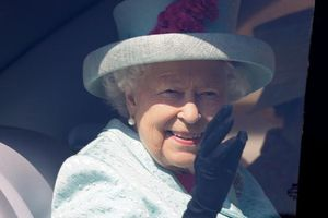 Nữ hoàng Elizabeth hủy các nghi lễ tổ chức dịp sinh nhật