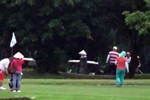 Sân golf mở cửa đón khách trong mùa dịch COVID-19: Thị xã Cửa Lò báo cáo gì?