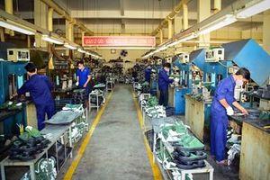 Sản xuất quốc phòng là then chốt, sản xuất kinh tế là động lực