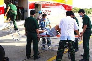 Máy bay DHC-6 đưa bệnh nhân nặng từ Trường Sa về đất liền