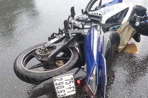 Kon Tum: Va chạm với ô tô tải, 2 người đàn ông tử vong