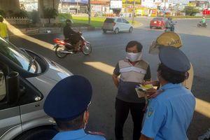 TP Hồ Chí Minh vẫn tiếp tục ngưng hoạt động taxi, xe hợp đồng, du lịch từ 23/4