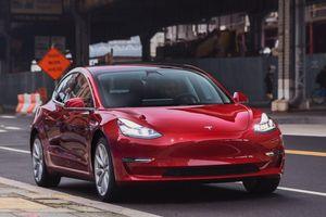 Chi gần 3 triệu USD, cảnh sát Thái Lan thuê 7 chiếc Tesla Model 3