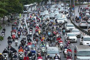 Hà Nội: Tái diễn cảnh ùn tắc đường trong ngày đầu nới lỏng giãn cách xã hội