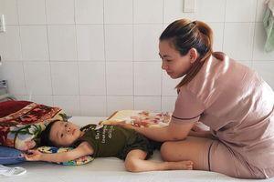 Thương bé 2 tuổi bị ung thư máu