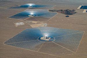 Khám phá nhà máy điện mặt trời khổng lồ trên sa mạc