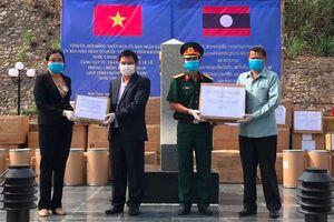 Khánh Hòa tặng vật tư y tế phòng chống dịch Covid-19 cho 2 tỉnh của Lào