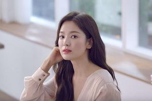 Song Hye Kyo trổ tài bếp núc