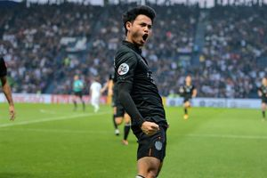 Sao Thái Lan lọt top sút phạt đẹp nhất AFC Champions League