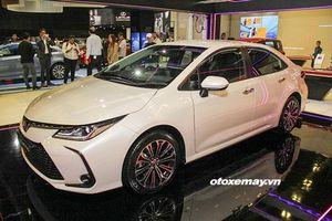 Cận cảnh Toyota Corolla Altis 2020