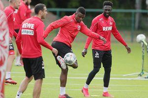 Đội bóng Đức vẫn tập luyện bất chấp việc 3 cầu thủ nhiễm bệnh