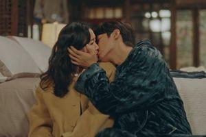 Vì sao nụ hôn của Lee Min Ho bị chê?